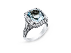 14k white gold ring with 1.93ct of diamonds and 4.46ct Aquamarine center piece