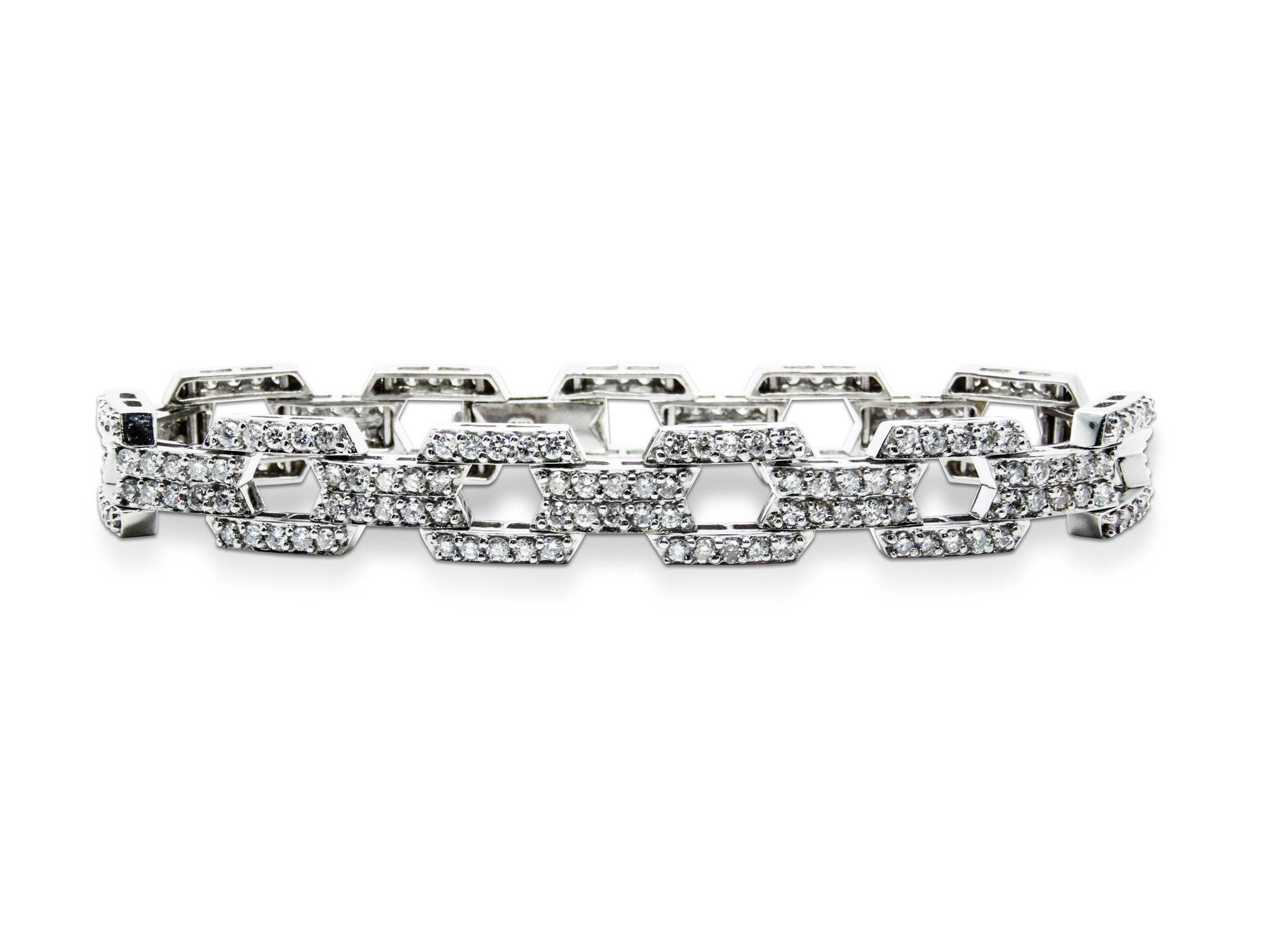 14k white gold bracelet with 4.90ct of diamonds