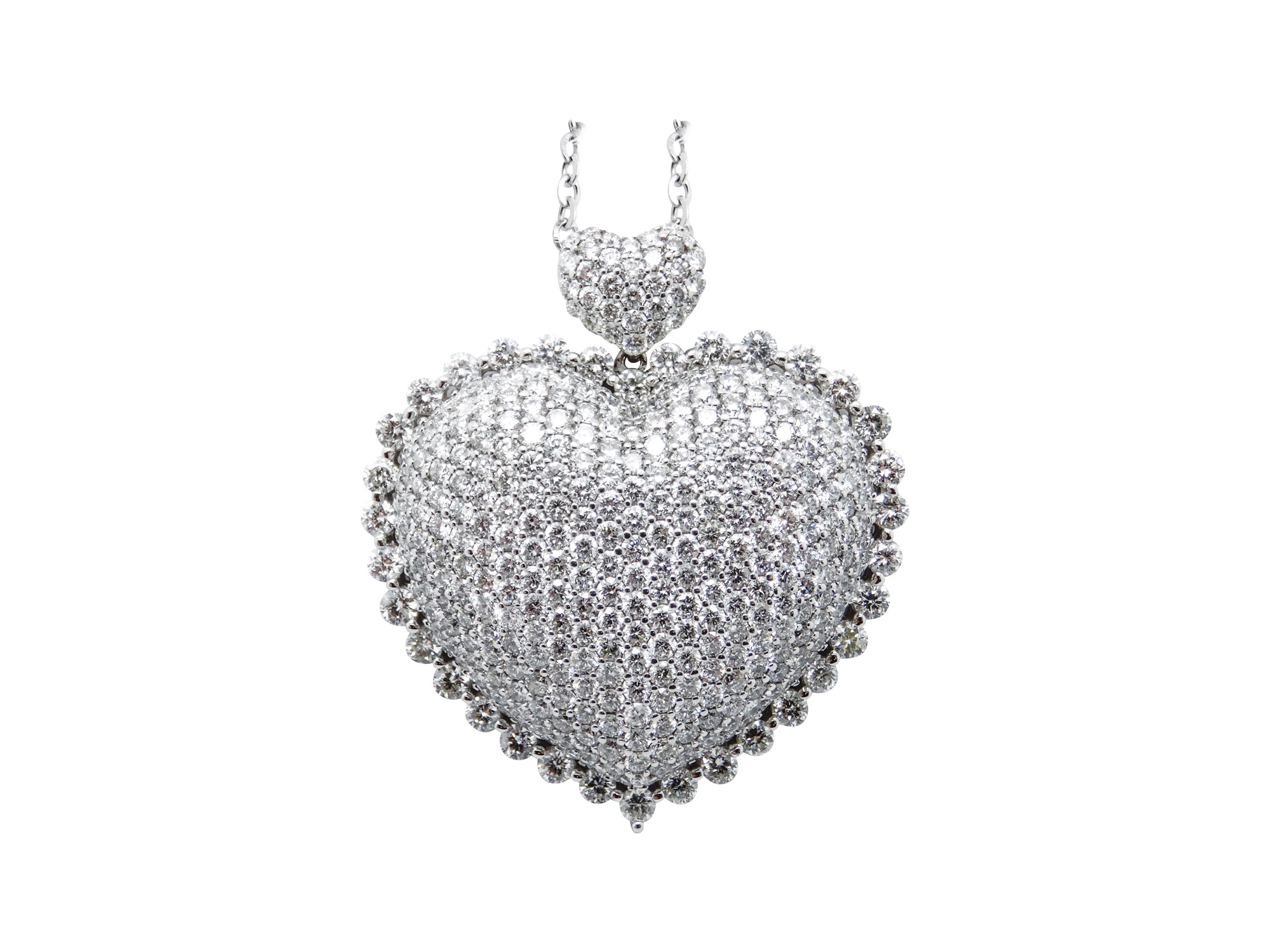 18k white gold heart pendant with 5.25ct of diamonds