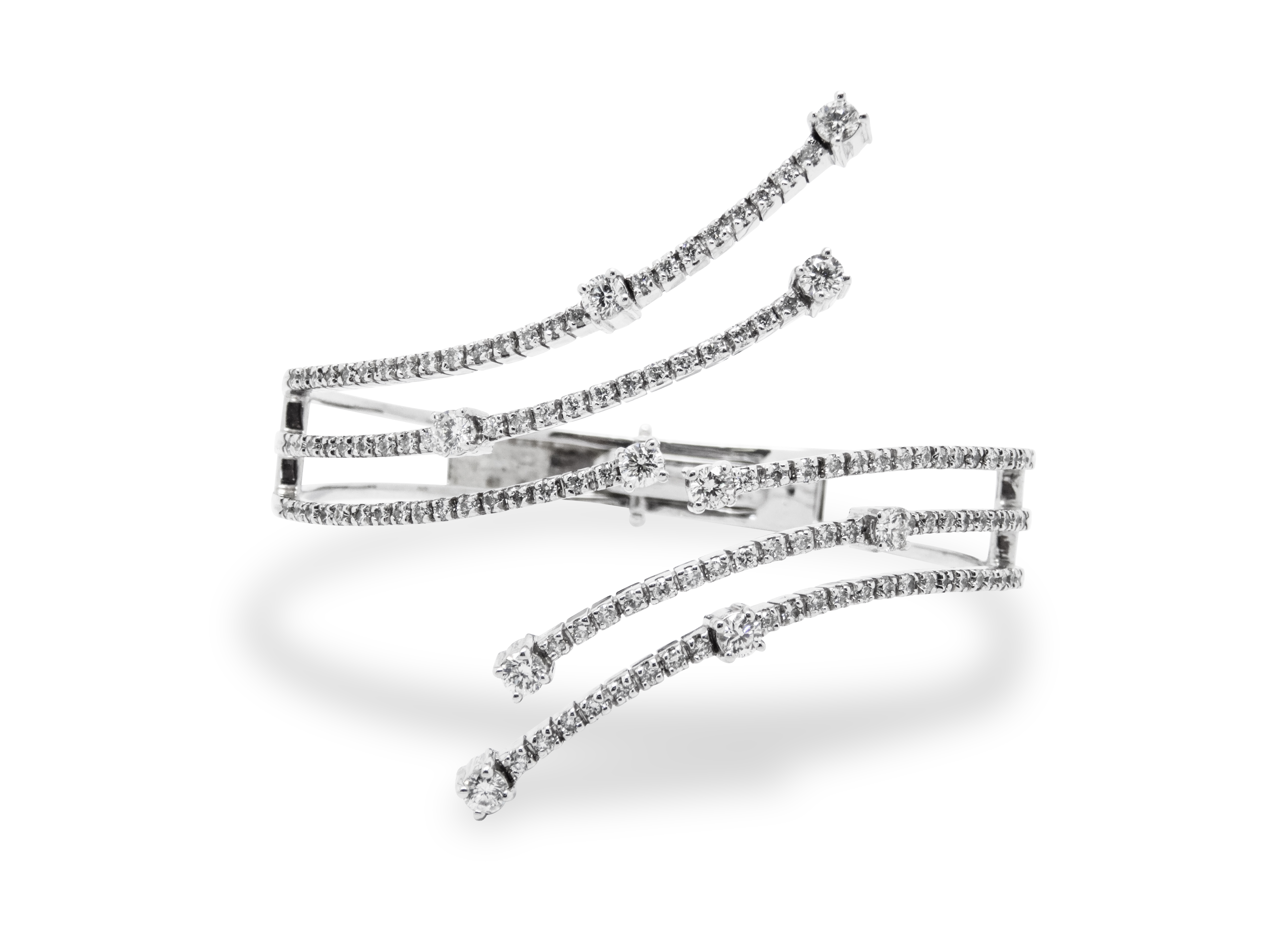14k white gold bracelet with 2.86ct of diamonds